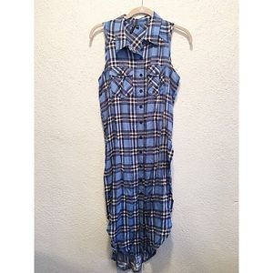 Tops - TRENDY LONG SLEEVELESS BLUE PAID BUTTON DOWN SZ S