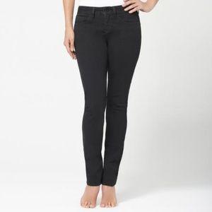Yummie black straight slimming jeans