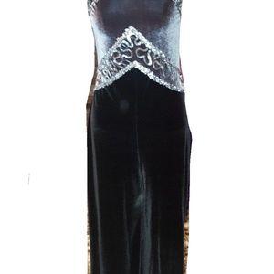 Adorable VINTAGE  1piece velour pantsuit w sequins