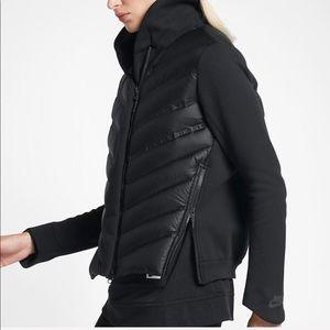 Nike NWT Tech Fleece Aero Loft Bomber Jacket