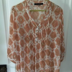 Rose and Olive Top.                     NWOT