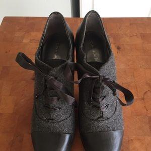 Tahari Travis Wool Leather CapToe Oxford
