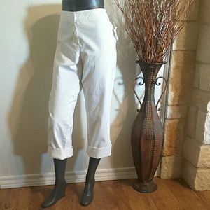 CAbi 786 White Jeans SZ 16 NWT