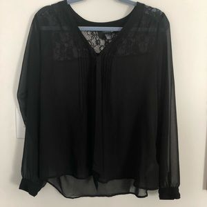 Forever 21 shear Button up Blouse 👚