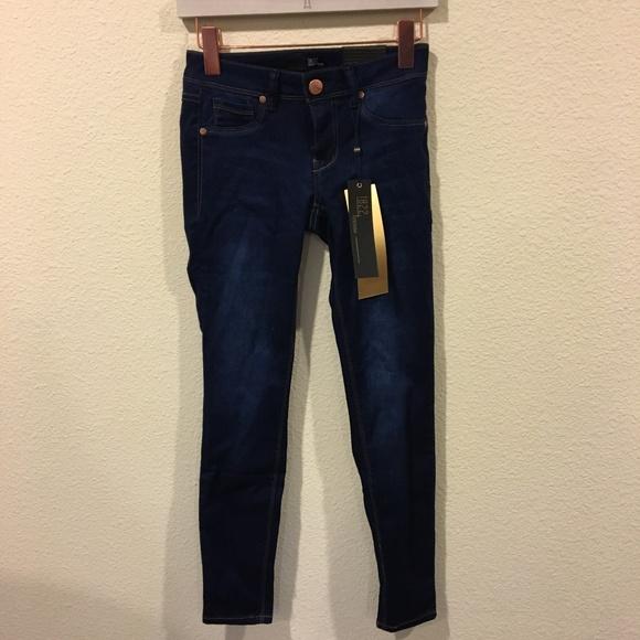1822 Denim Denim - NWT 1822 denim classic skinny jeans