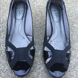 Women's Life Stride Black Peek Toe Heels 7.5M New