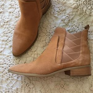 REBECCA MINKOFF tan suede leather ankle flat boots