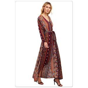 Dresses & Skirts - 🎈Clearance🎈🎉HP🎉 Maxi Dress Tie Waist Split