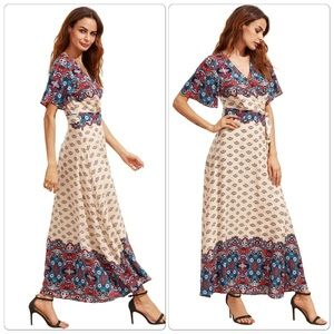 Dresses & Skirts - 2XHP🎉 Printed V Cut Elbow Sleeve Surplice Knotted