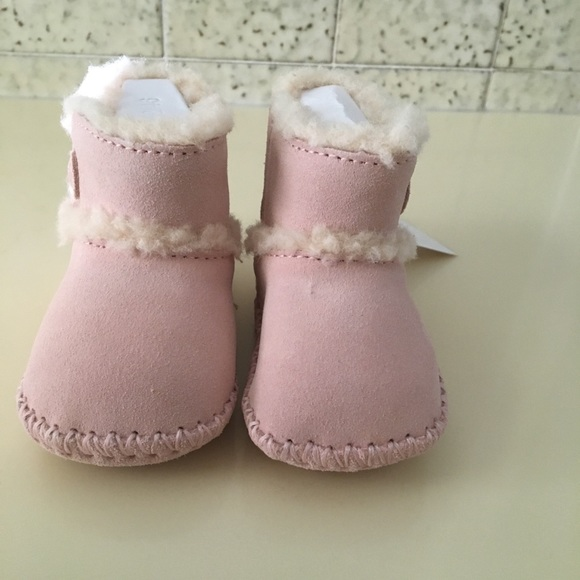 bdc4af51378 New in Box UGG Baby Booties 0/1 NWT