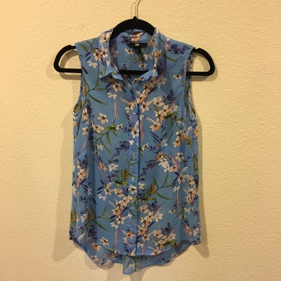 79e7995cc H&M Tops | Hm Blue Floral Sleeveless Button Down Top | Poshmark