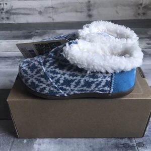 TOMS Kids House Slippers Size 9 Tiny Blue Fair