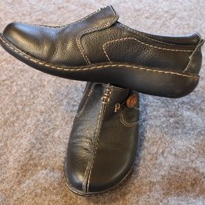 Clarks Un.Loop Side Button Shoes