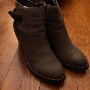 SHOEMINT brown leather booties