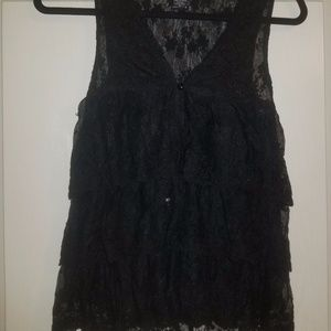 Black ruffled lace button up tank SMALL