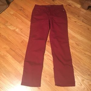 Modern fit red jeans