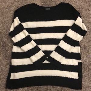 Vince Camuto Oversized Black and White Sweater