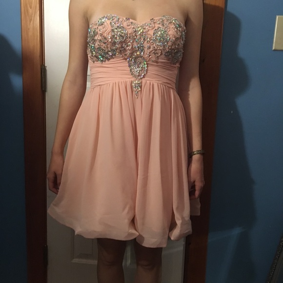 Dillard\u2019s pink short dress, great for prom/formals