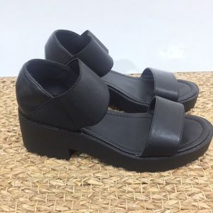 🖤Chunky soles sandals
