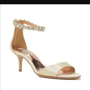 Badgley Mischka gold shoes size 9. New without box