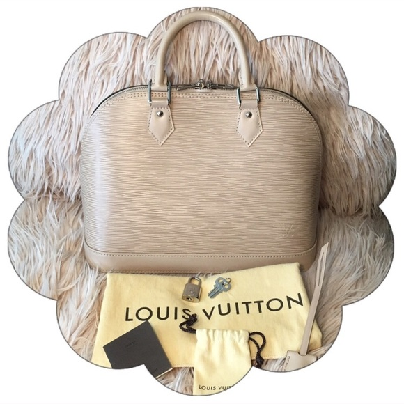Louis Vuitton Handbags - Authentic Louis Vuitton Epi Alma PM Dune