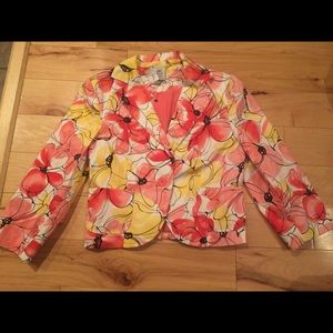 Tops - Women's blazer new with tags size 6