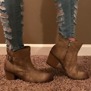 Brand New, Roxy Boots/Booties !!!Adorable!!!
