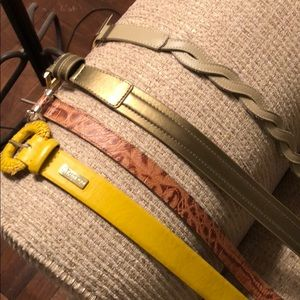 Accessories - Set of four size small belts