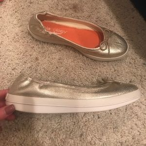 Tommy Bahama Shoes - Tommy Bahamas relaxology shoes