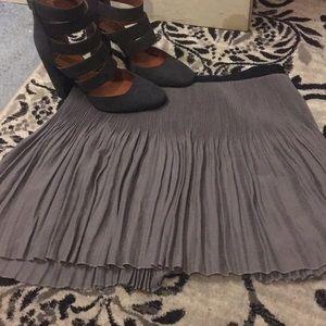 Dresses & Skirts - Cute little mini skirt.