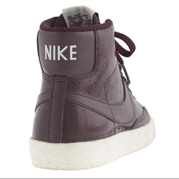 Nike Blazer Baja Planta De Serpiente De Oro Negro De La Vendimia enr7k2
