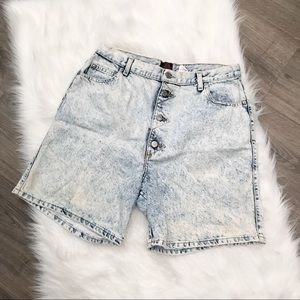 Vintage '80s Acid Wash High Waist Mom Jean Shorts