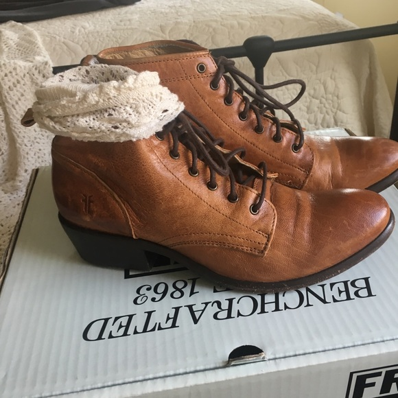 2ced626c5af0d Frye Shoes | Womens Size 75 Carson Lace Up | Poshmark