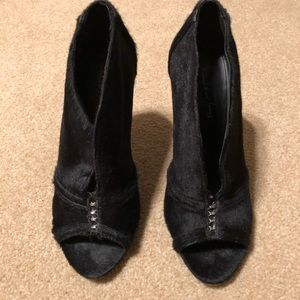 Elizabeth & James black pony hair peep toe heels