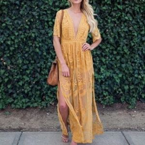 HONEY PUNCHyellow lace floral embroider maxi dress