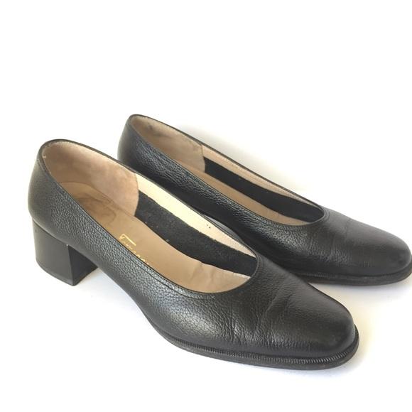 c51f0014f145 Salvatore Ferragamo Shoes - Salvatore Ferragamo Black Pebble Leather Heels