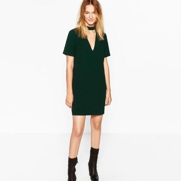d5fd87f4 Zara Green Choker V Neck Dress. M_5a223fda5a49d06a6a020261