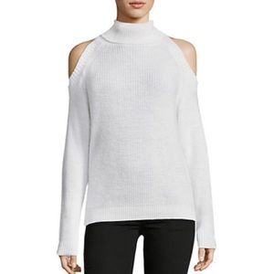 [Cliché] Pullover Cold-Shoulder Sweater