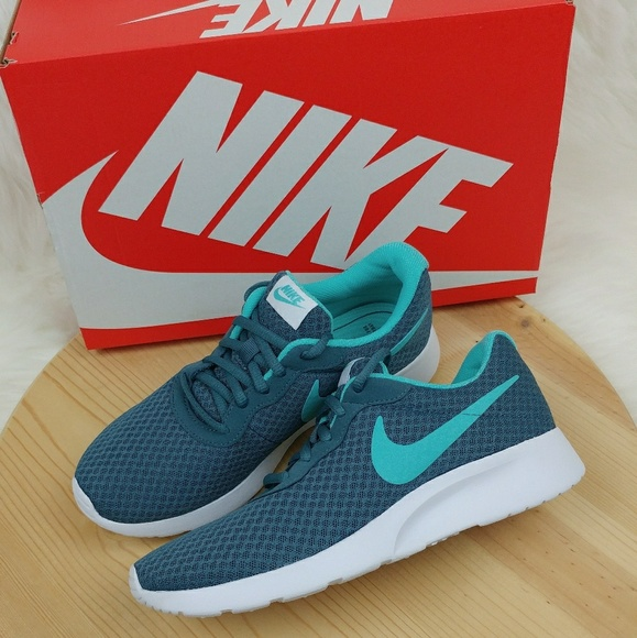 b51094876874 Nike Tanjun Iced Jade Aurora Green-White sneakers