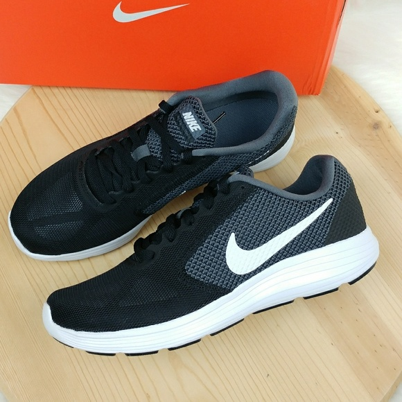 Nike Revolution 3 women's athletic shoes