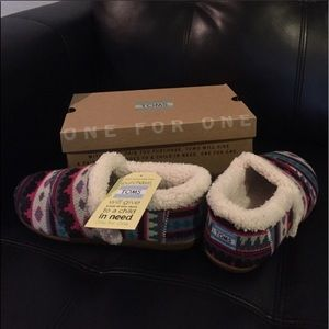 TOMS slippers shoes