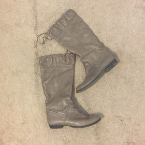 📆BLACk FRIDAY SALE - Gray leather boots by anthro