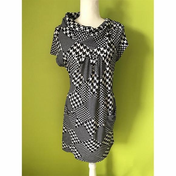 Speechless Dresses & Skirts - Speechless Glencheckered Black White Hood Dress XL