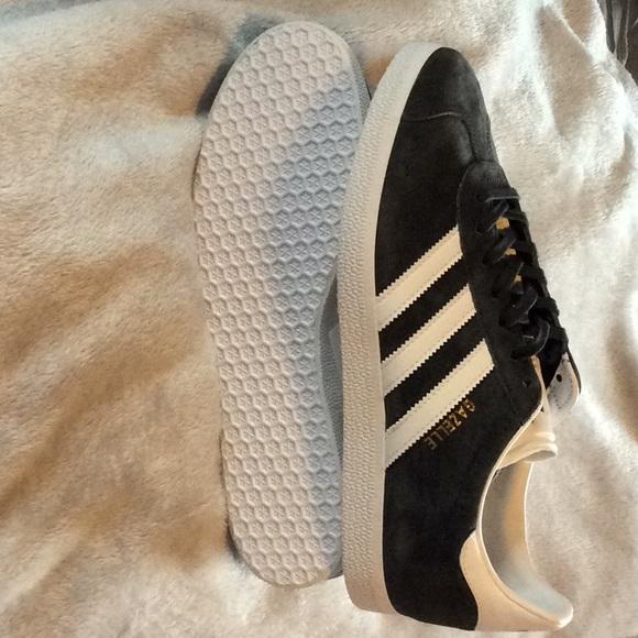 Adidas con scarpe nuove di zecca, con Adidas tagsauthentic gazzella poshmark 1322a6