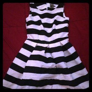 Taylor striped dress size 4