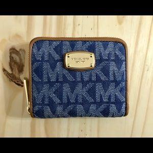 00c1818ce9f0 Michael Kors Bags - Michael KORS Vivianne Medium Denim Purse & Wallet
