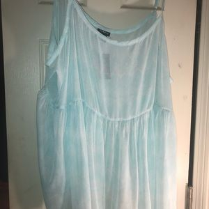 Sheer mint and white, zigzag design tank. BNWT