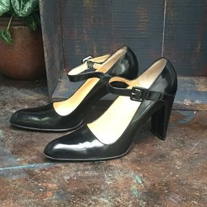 Vintage Paloma patent leather Mary Janes