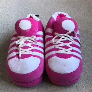 Shoes - Go Happy Feet super comfy slippers
