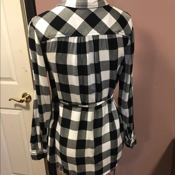 Liz Lange Tops - Plaid black & white button down maternity shirt